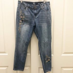 New Directions Distressed Embroidered Jeans